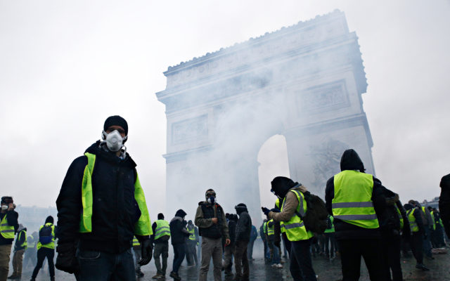 Yellow Vests in France Planning a Bank Run to Collapse the Euro