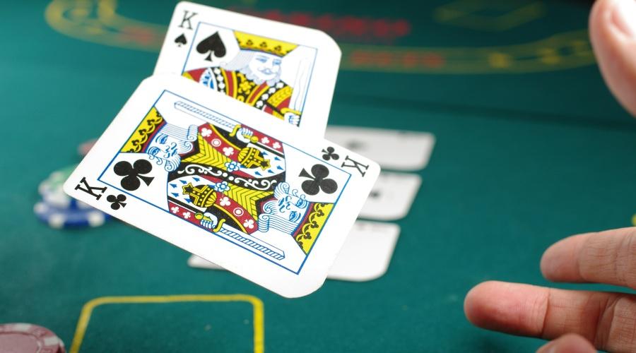 cryptocurrency casinos vs traditional casinos